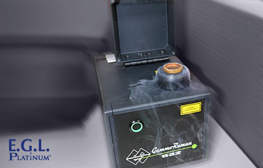 液態氮氣搭配光致發光光譜儀為鑑定鑽石處理重要利器